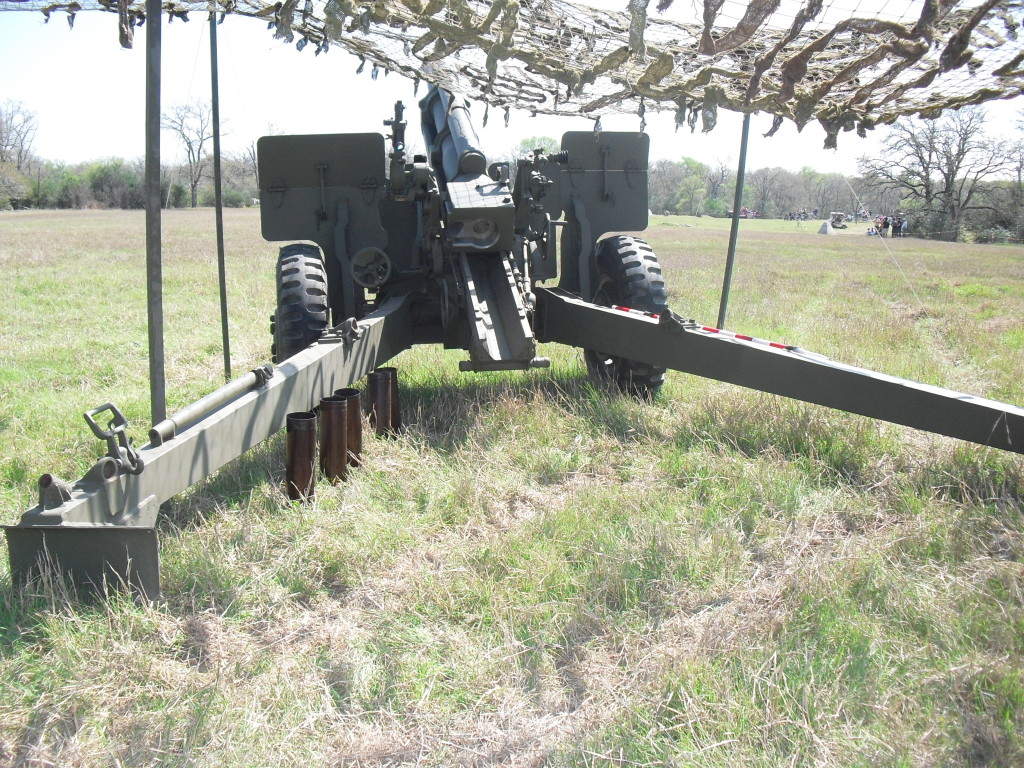 WWII 105mm M2A1 Howitzer